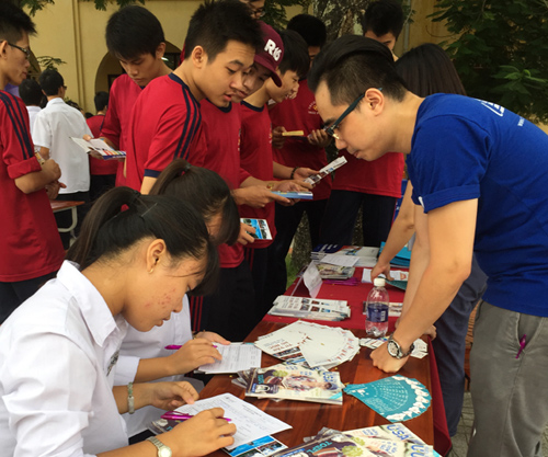 blog Image Capstone Vietnam and Study in the USA Magazine in Haiphong!